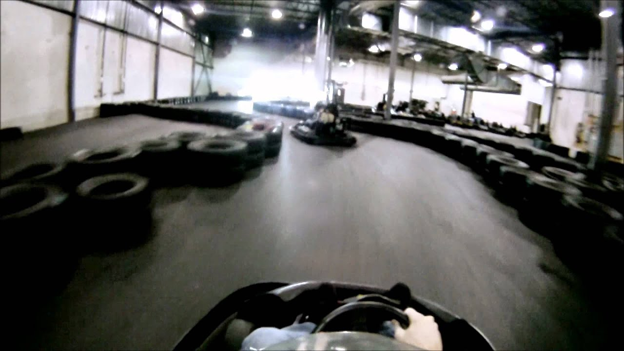 Course de go kart gopro youtube for Go kart interieur