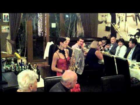 20131024 210301-Ukraina-trattenimento in un locale privato