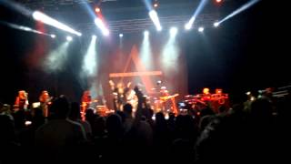 Anastacia at Kombank Arena singing Sweet Child of Mine!
