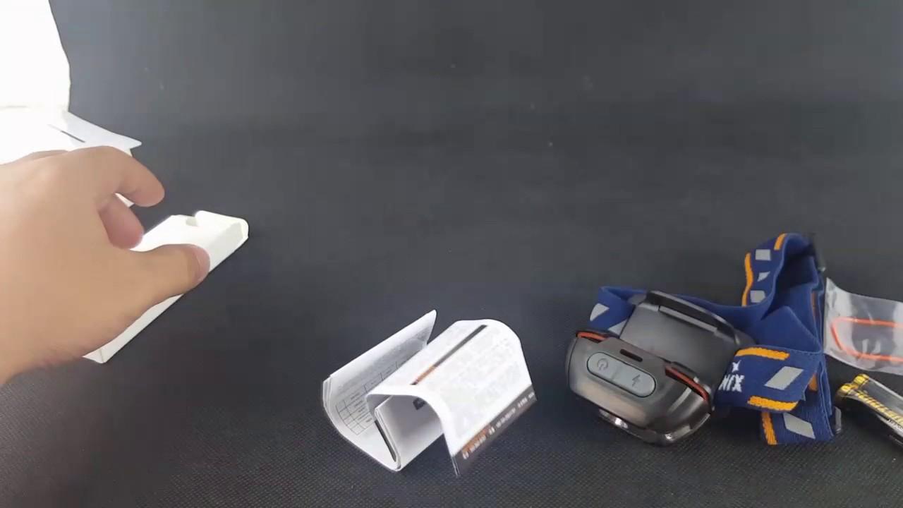 Trên tay đèn pin đeo trán Fenix HL15