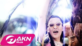 Demet Akalın – Kulüp (Remix) 2017
