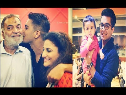 Asim Azhar with Family.