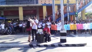Student Serenades Girlfriend at Mendiola Intersection