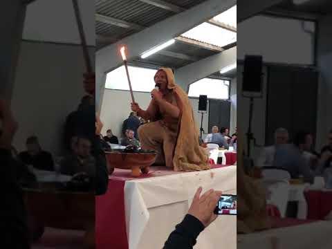 El tradicional y teatral conxuro de Fiporco, en Sarria