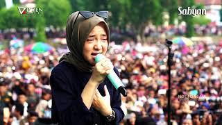 Download lagu Deen Assalam Sabyan Gambus Live Alun Alun Kajen Pekalongan MP3