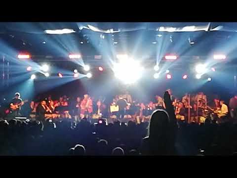 Tim (xutos & pontapés) com Orquestra 12 de Abril - A minha casinha