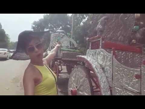 Travel - Sarah Ioane Exploring Kolkata, India