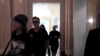 James Hetfield passing by fans in hotel; Hetfield, his family, Ulrich, Trujillo leaving hotel SPb