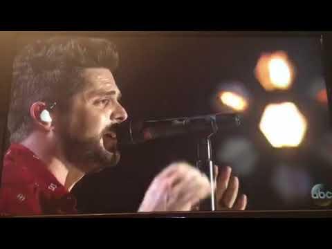 Craving you by Thomas Rhett live at CMA awards 2017