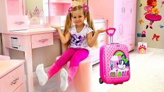 Diana and her new Room - Head, Shoulders, Knees & Toes Song For Kids