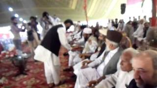 ijtma-e-aam 2011: Sweet distributing among guests by Saadat Party Turki.