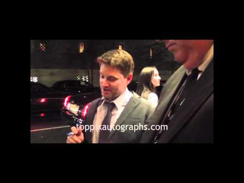 Shea Whigham  Signing Autographs at