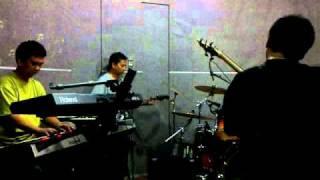 Lima Dimensi ITB Genesis Tribute Band ,  Alone Tonight