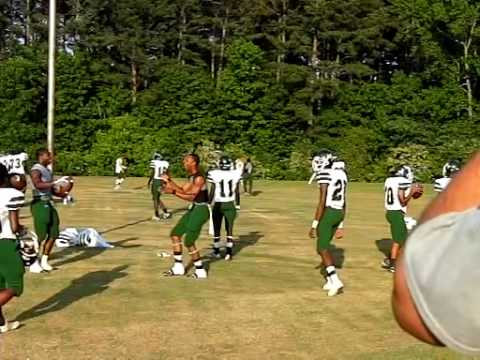 West Point Ms >> West Point Mississippi Green Wave Football Player Practices Throwing