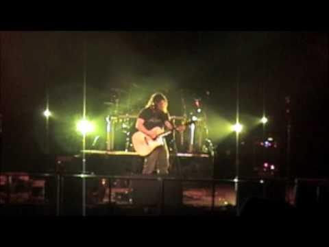 JamiSun acoustic guitar loop live at The Music Farm Charleston, SC