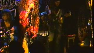 "Angel Forrest chante ""Kozmic Blues"" aux Beaux Esprits le 02 dec.1994"