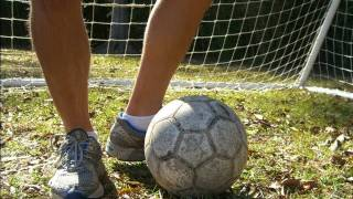 Drills in Soccer - How to work on your Weaker Foot - Online Soccer Academy