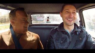 ''Co z Tomem Hanksem? Filip, czym jeździsz?'' - [Duży w Maluchu EXTRA]