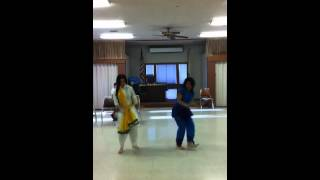Chitte Suit Te- Bhangra Improv: Fareen and Bree