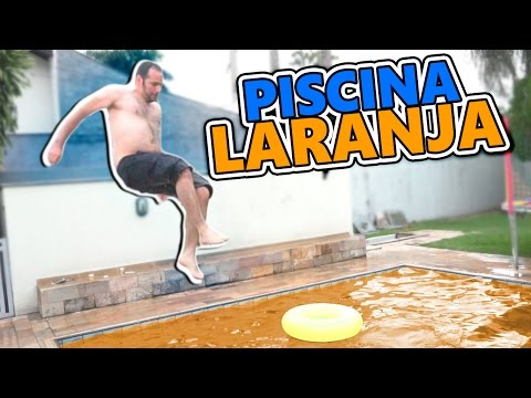 Thumbnail: JOGUEI CORANTE LARANJA NA PISCINA !!! c/ Manual Do Mundo !!!