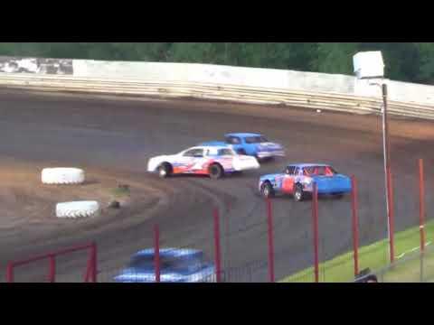 Factory Stock Heat Race Boyd Raceway 5-11-18