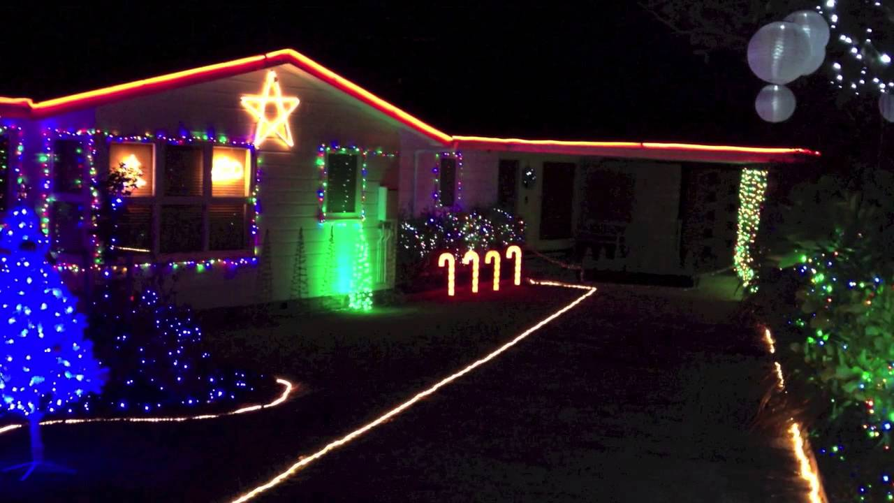 Christmas Lights to music, Close Encounters - YouTube