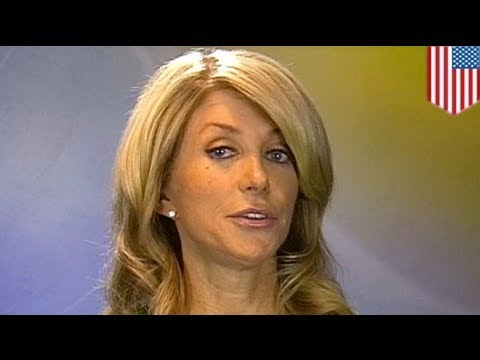 Wendy Davis lands in hot water over misleading biography