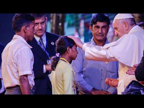 Pope Francis meets Rohingya Muslims in Bangladesh