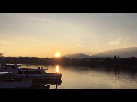 SEE SUNRISE MEETING FULL MOON ON LAKE GENEVA. Switzerland. Lac Léman Genève Suisse
