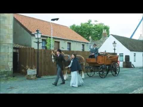 Jack Lowden w Ophelia Lovibond on Tommy's Honour
