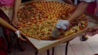 humongous pizza