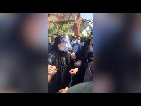 جنازة محمود ياسين | انهيار شهيرة خلال صلاة الجنازة على زوجها