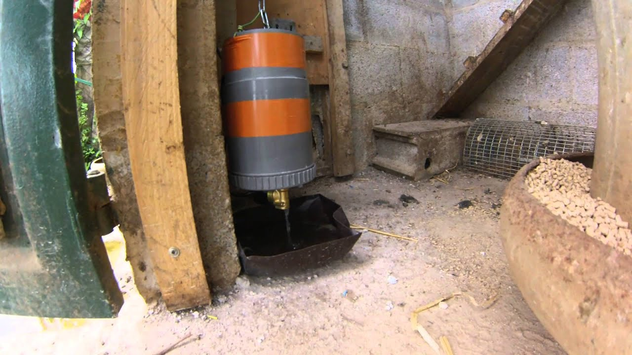 Automatisme de trappe de poulailler avec alimentation de l - Porte automatique pour poulailler allemagne ...
