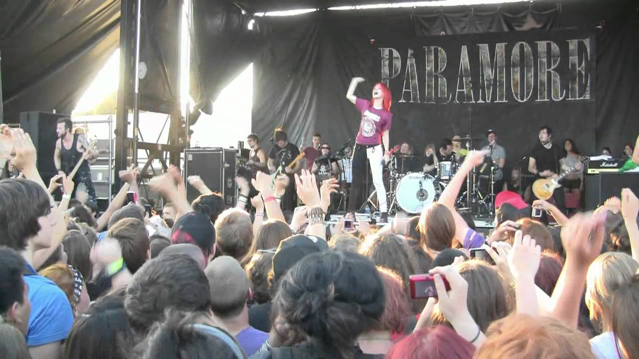 How the Women of the Warped Tour Are Pushing Back Against ...