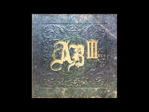 Alter Bridge - Life Must Go On + Lyrics