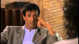 Película Asesinos con Antonio banderas y Sylvester Stallone (escena del banco)