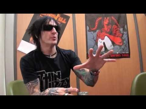 RICHARD FORTUS from GUNS N'ROSES EXCLUSIF INTERVIEW FOR ROCKNLIVE
