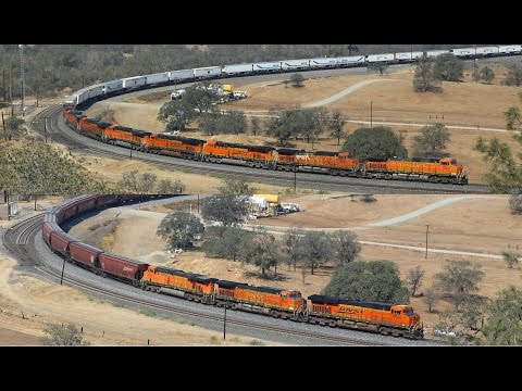 Two BNSF Freights on the Tehachapi Loop   12/09/15