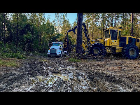 Muddy Roads, Log Trucks Bogged Down, Starting New Tract, Playing With Fire & 718E Ride