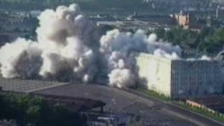 Building falls down