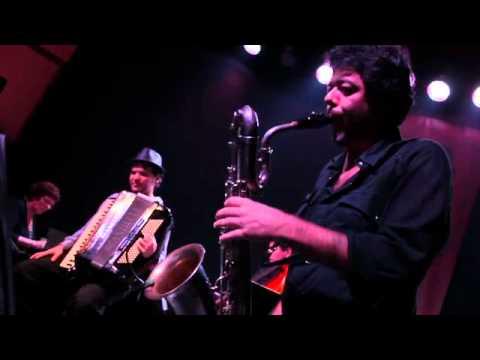 Otoño Porteño (Astor Piazzolla) - Grupo LiberTango