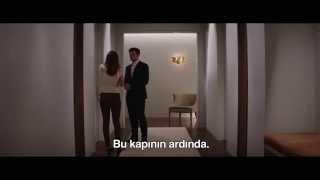 GRİNİN ELLİ TONU Türkçe Altyazılı Klip - Christian Ana'ya Oyun Odasını Gösteriyor