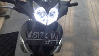 Video Tes lampu Angel Eyes LED & Full light white yellow by Supra X 125 FI download MP3, 3GP, MP4, WEBM, AVI, FLV Januari 2018