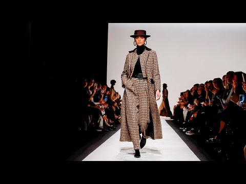 Laura Biagiotti   Fall Winter 2018/2019 Full Fashion Show   Exclusive
