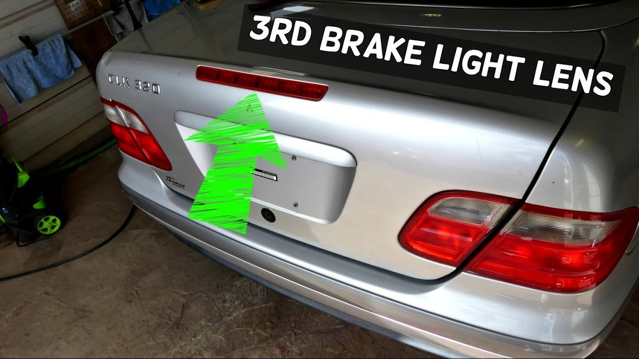 Mercedes w208 clk third brake light lens removal for Mercedes benz brake wear warning light