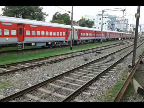 12331 Up Himgiri Express.... Arriving  Patna Junction..