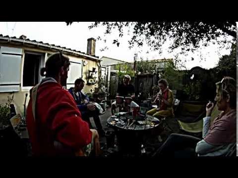 Les pieds dans l 39 herbe impro dans le petit jardin fantastique youtube - Dutronc petit jardin youtube limoges ...