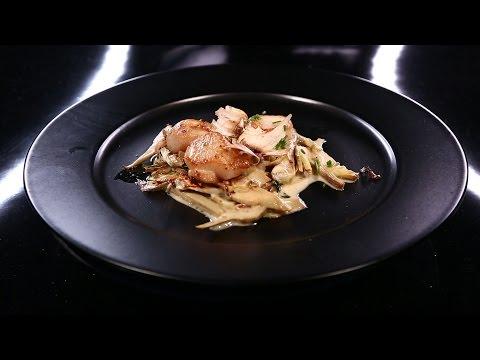 Noix de Saint-Jacques, artichauts cuits et...