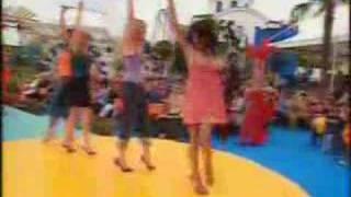 BOND GIRLS - samba (vivo)