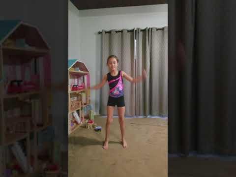 7 Year Old doing Ju Ju On The Beat.